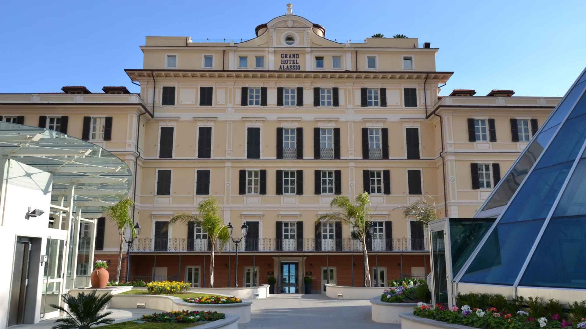 Alberghi for Hotel milano alassio